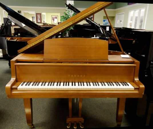Grand piano gallery hall piano company warehouse for Yamaha g1 piano