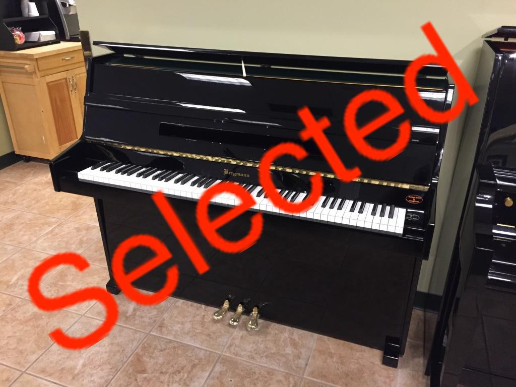 Bergmann bt 109 upright piano hall piano company warehouse Small size piano